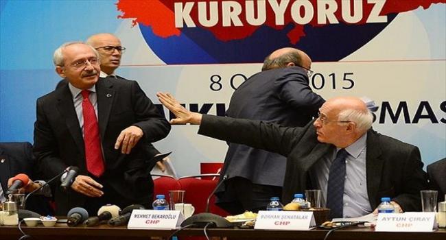 CHP Lideri Kılıçdaroğlu''na ayakkabılı saldırı