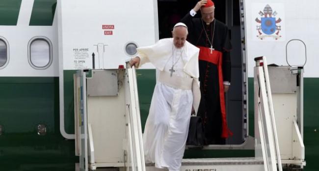 Papa Ankara''ya indi