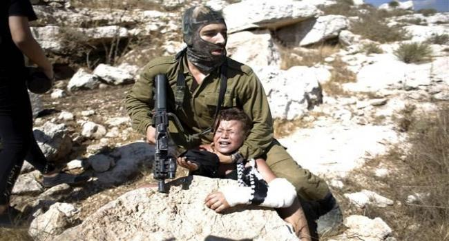 Filistinli çocuğa şiddet